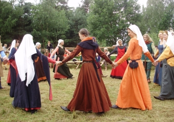 Dances in Middle Ages